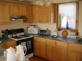 Guest House Kitchen 2-1.jpg